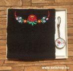 Ajándékcsomag MAGYAROS (1) matyó mintás női ajándék, díszdobozban
